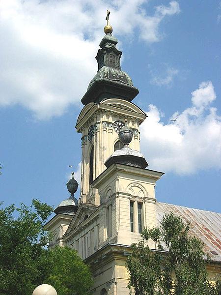 Saint_Michael_the_Archangel_Catholic_Church_in_Odžaci,_Vojvodina,_Serbia_-_20060602