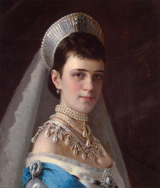 Maria_Fyodorovna_(Kramskoj,_1880s)