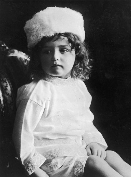 Alexei_Nikolaievich_of_Russia_as_a_toddler