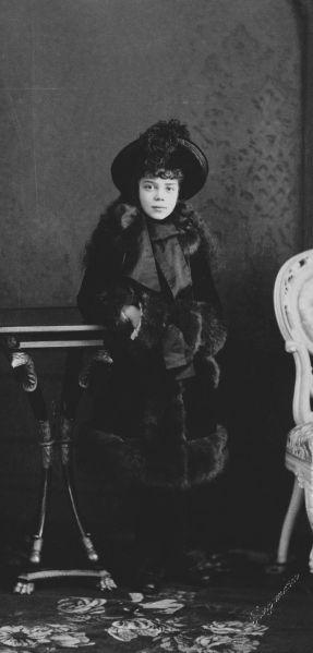 Xenia_Alexandrovna_of_Russia_by_C.Bergamasco_(c.1884)