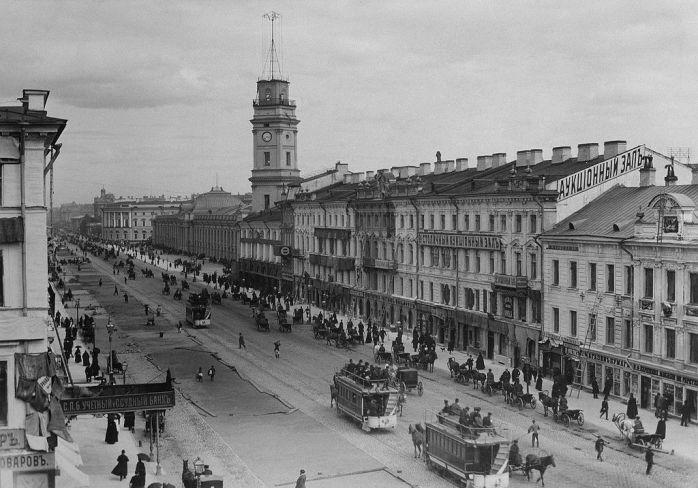 1024px-1880-е._Вид_Невского_проспекта_у_Гостиного_двора