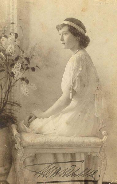 800px-Tatyana_Nikolaevna_1914
