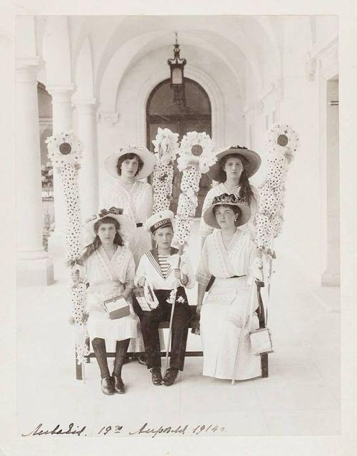 OTMAA_on_the_White_Flower_Festival_1914