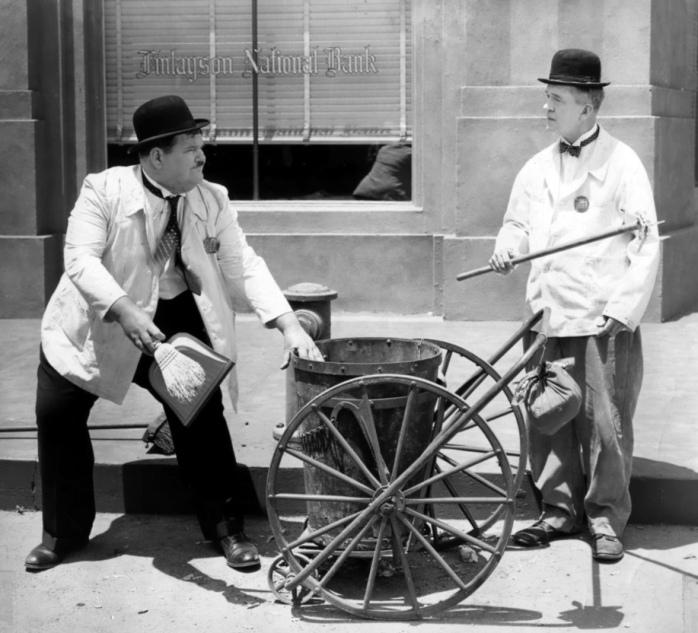 Annex - Laurel & Hardy (A Chump at Oxford)_06