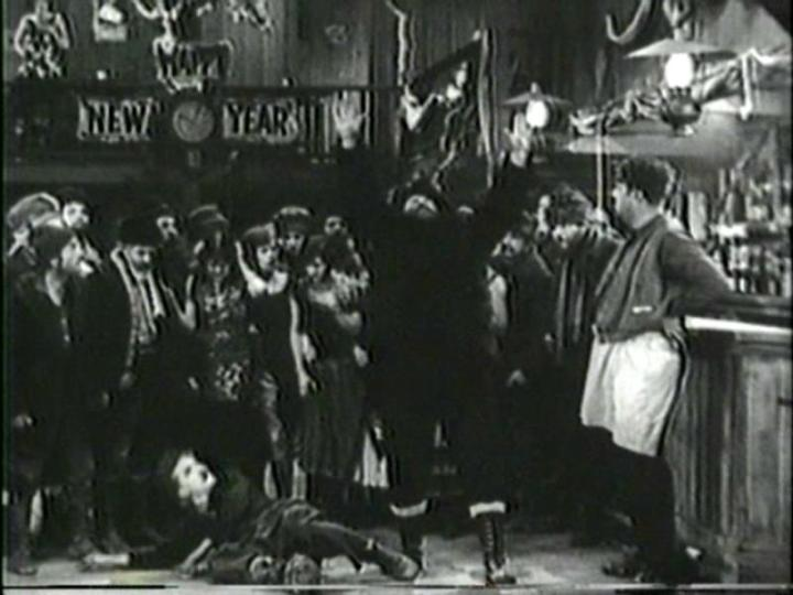 Charlie_and_Mack_Swain_(02)_-_The_Gold_Rush_1925_-_PDVD_017