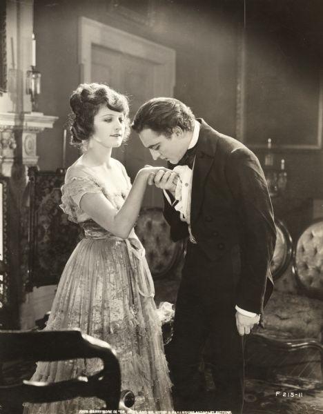 Martha_Mansfield_John_Barrymore_1920