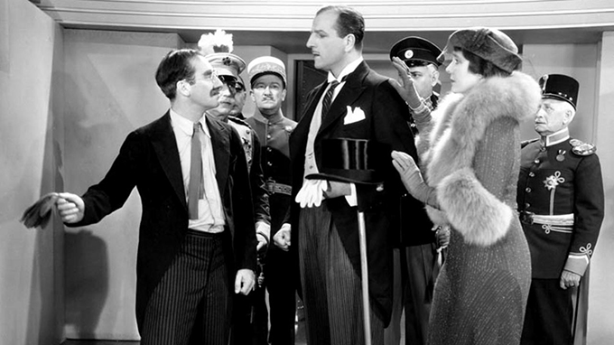 A-Night-at-the-Opera-1935-–-Otis-B.-Driftwood