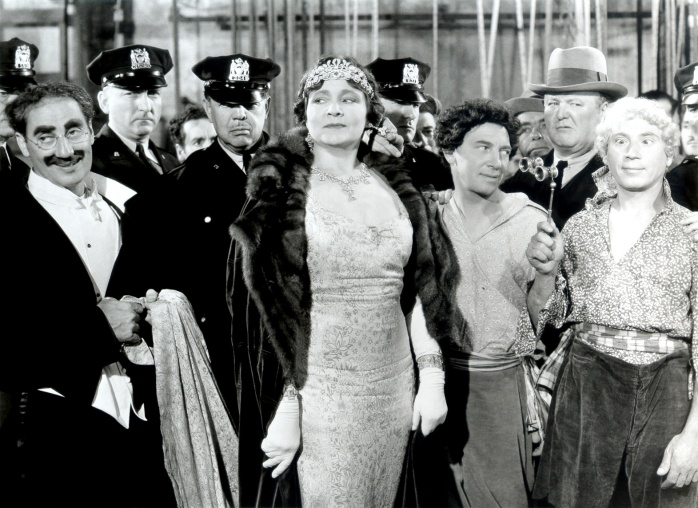 Marx Brothers (A Night at the Opera)_04