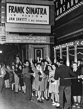 1943-sinatra-in-pittsburgh-45