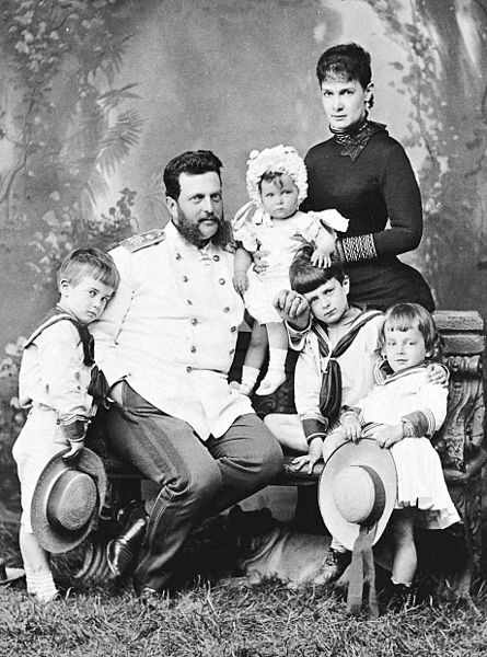 Vladimir_Aleksandrovich_of_Russia_with_family_by_S.Levitskiy_(c.1883)
