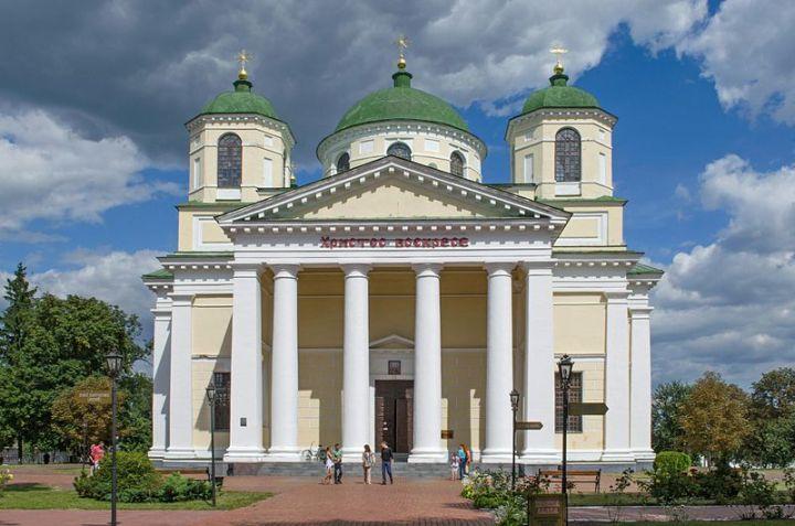 800px-Новгород-Сіверський._Спасо-Преображенський_монастир._Собор