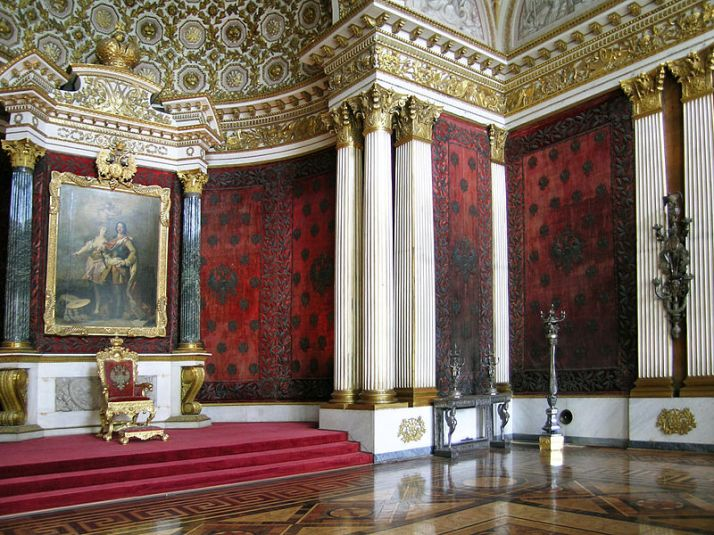 800px-Peter_the_Great_(Small_Throne)_Room_(1)