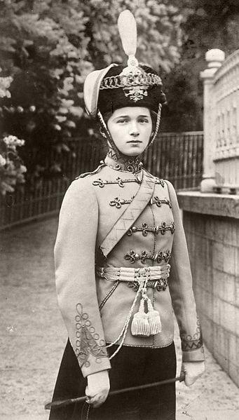 Olga_uniformisban