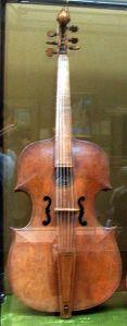 234px-Gasparo_da_Salo_bass_viol