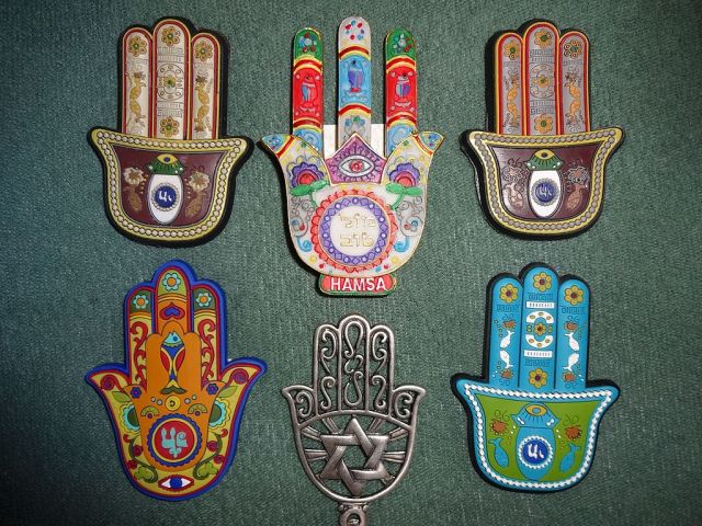 1024px-collection_of_khamsa