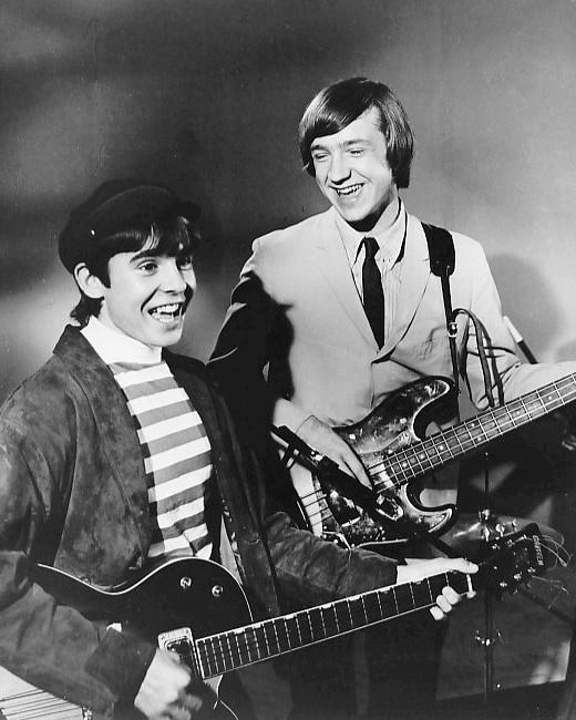 davy_jones_peter_tork_the_monkees_1966