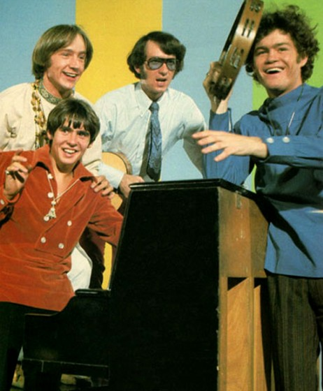 the-monkees-tv-show-462x560