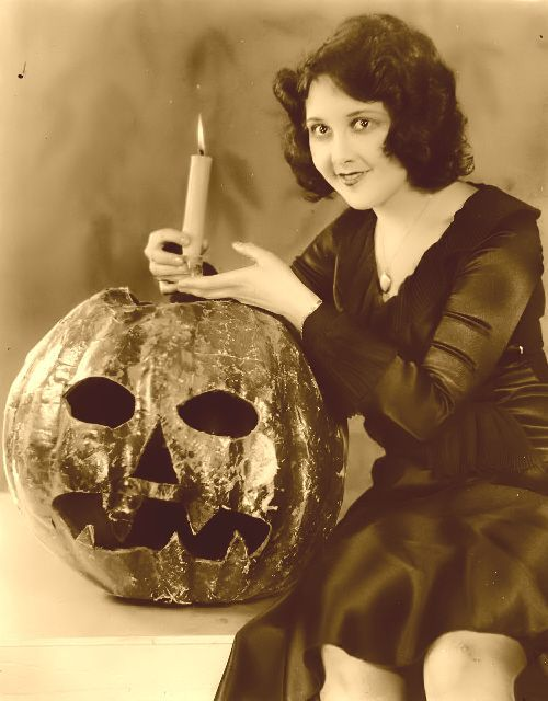 vintage-halloween-photo