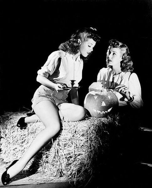 halloween-ladies