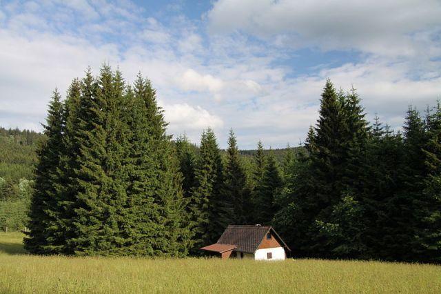 800px-house_near_kubova_hut_in_2011_2