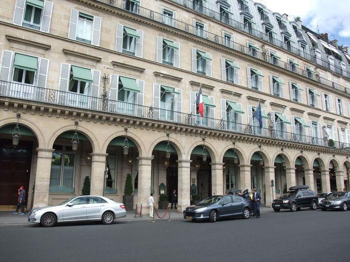 1024px-Hôtel_Meurice_-_Paris