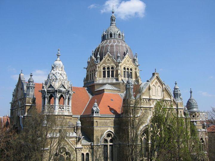 1024px-Szeged_synagogue_SF
