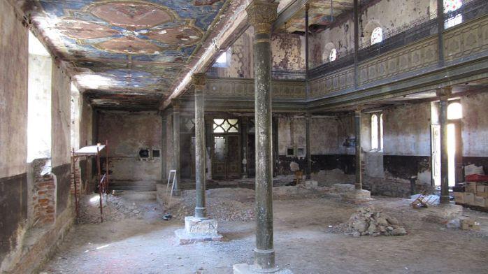 800px-Kosice_synagoge_zvonarska_20112