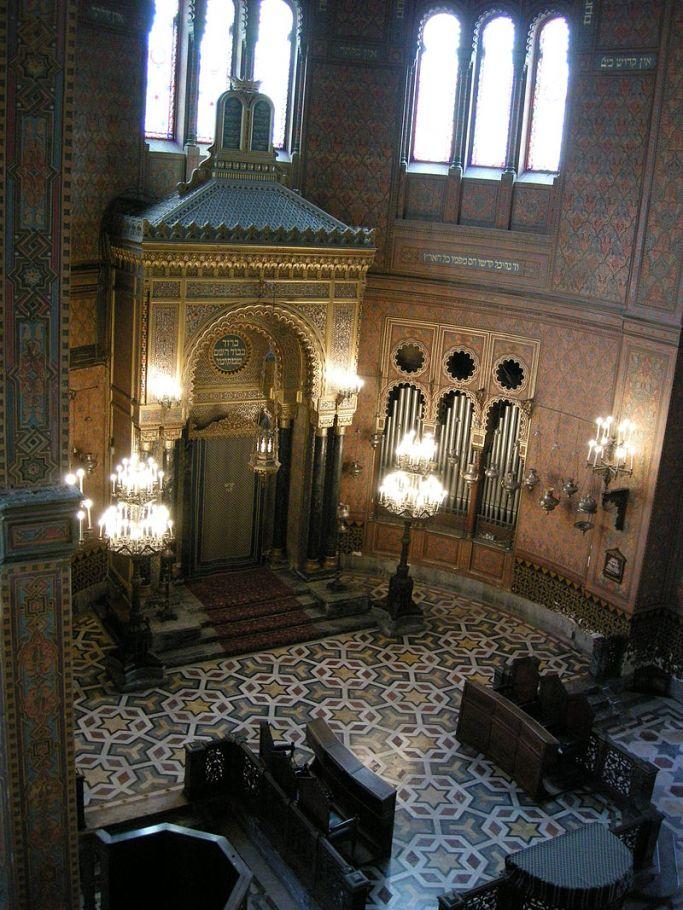 800px-Sinagoga_di_firenze,_interno_05