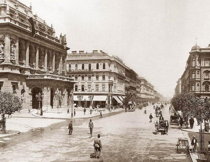Andrássy_út_Budapest_1896