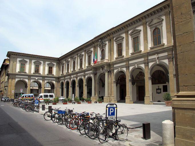 Arcispedale_di_santa_maria_nuova,_portico_restaurato,_01