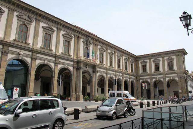 Arcispedale_di_santa_maria_nuova,_portico_restaurato,_05