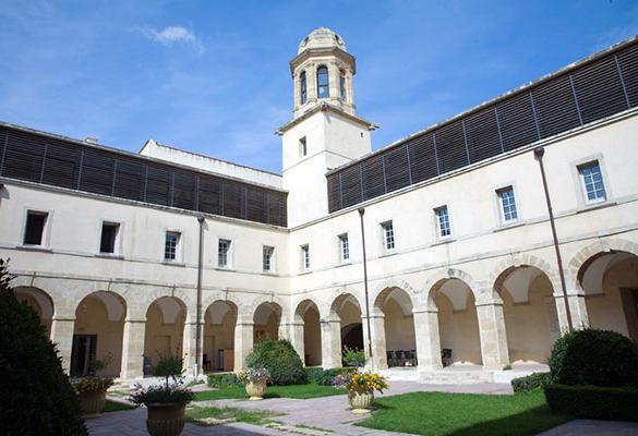 Droit_Montpellier_cloitre